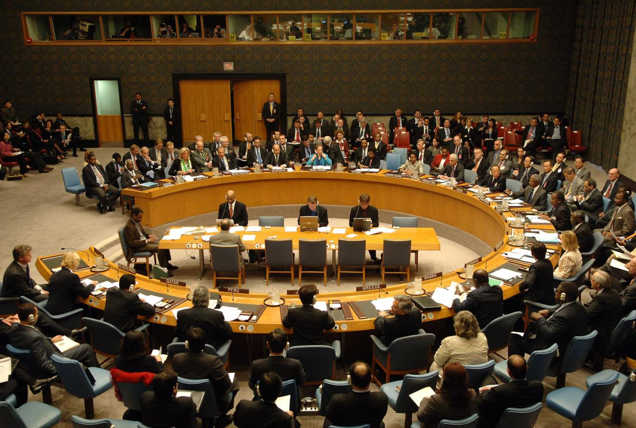 مجلس الأمن يجيز تنفيذ حظر السلاح على ليبيا بالقوة