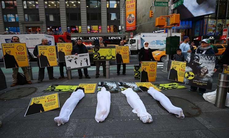 وقفة احتجاجية بالأكفان في نيويورك تنديدا بممارسات النظام السوري