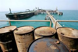 إيران تخزن 20 مليون برميل نفط لتصديرها فور رفع العقوبات
