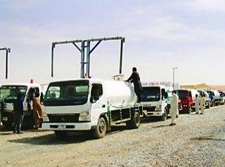 الهلال الأحمر الإماراتي يوفر 10 صهاريج مياه لقطاع غزة