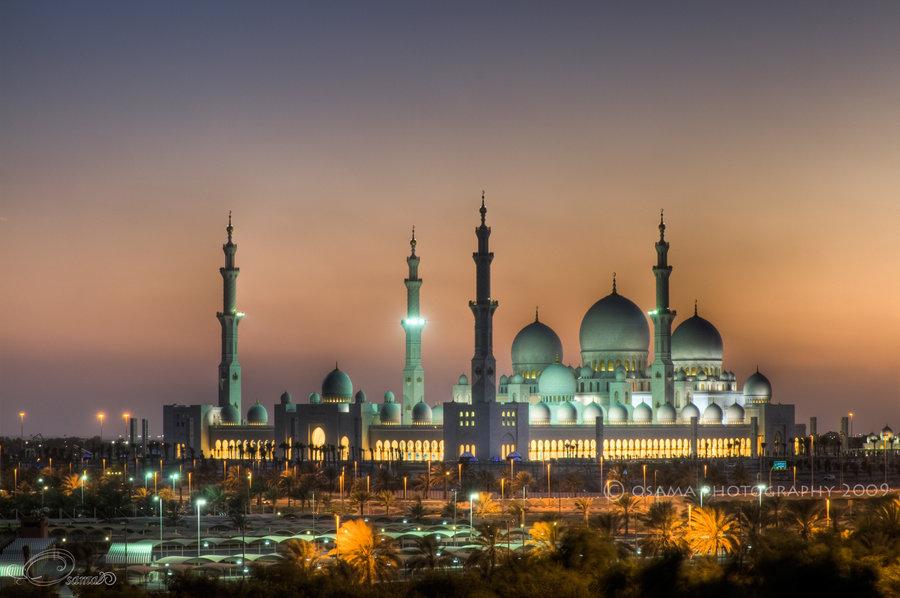 نقل أبوظبي توفر مواصلات  للصائمين من وإلى مسجد زايد الكبير مجانا