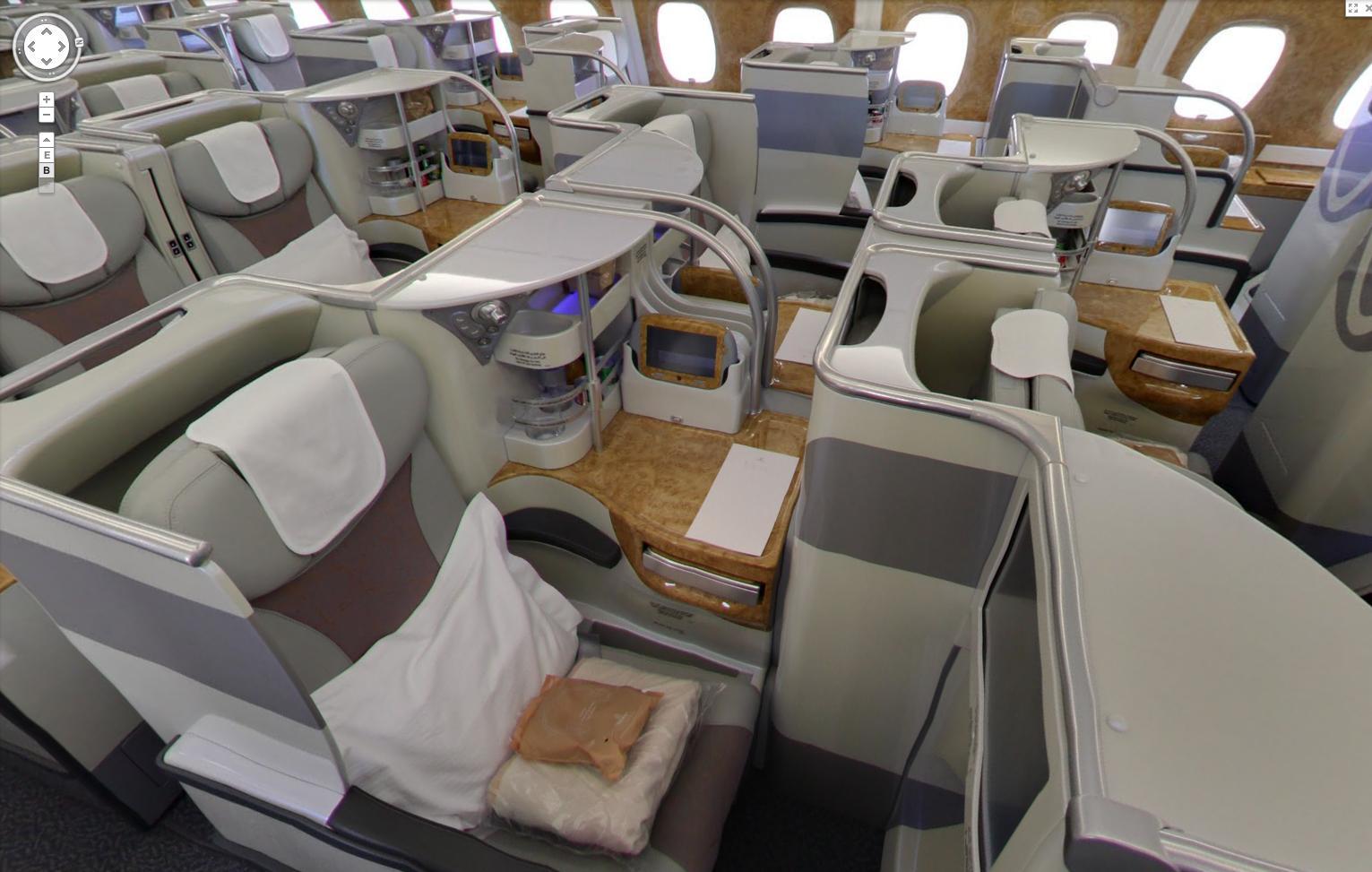حيلة لطيران الإمارات للتخفيف من ضرر منع حمل الأجهزة الالكترونية