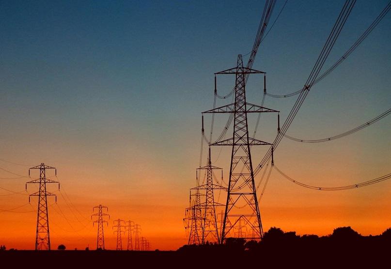 لتلبية احتياجات المستهلكين المتزايدة.. كهرباء دبي ترفع كفاءة شبكاتها