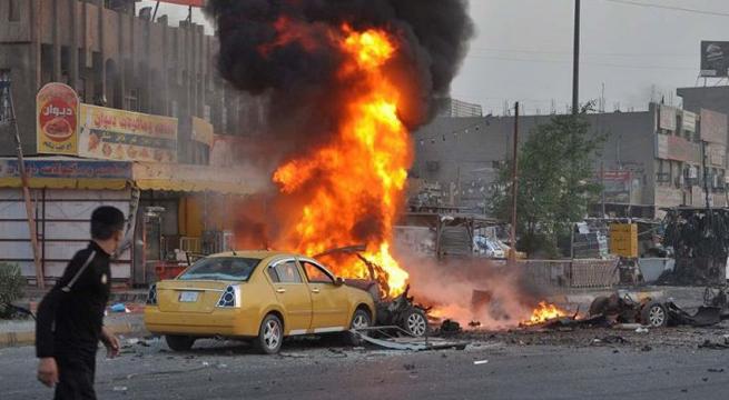 13 قتيلا إثر انفجار سيارتين مفخختين في بغداد