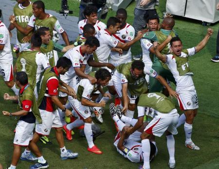 كوستاريكا تتأهل للدور الثاني بعد فوزها على إيطاليا بمونديال البرازيل