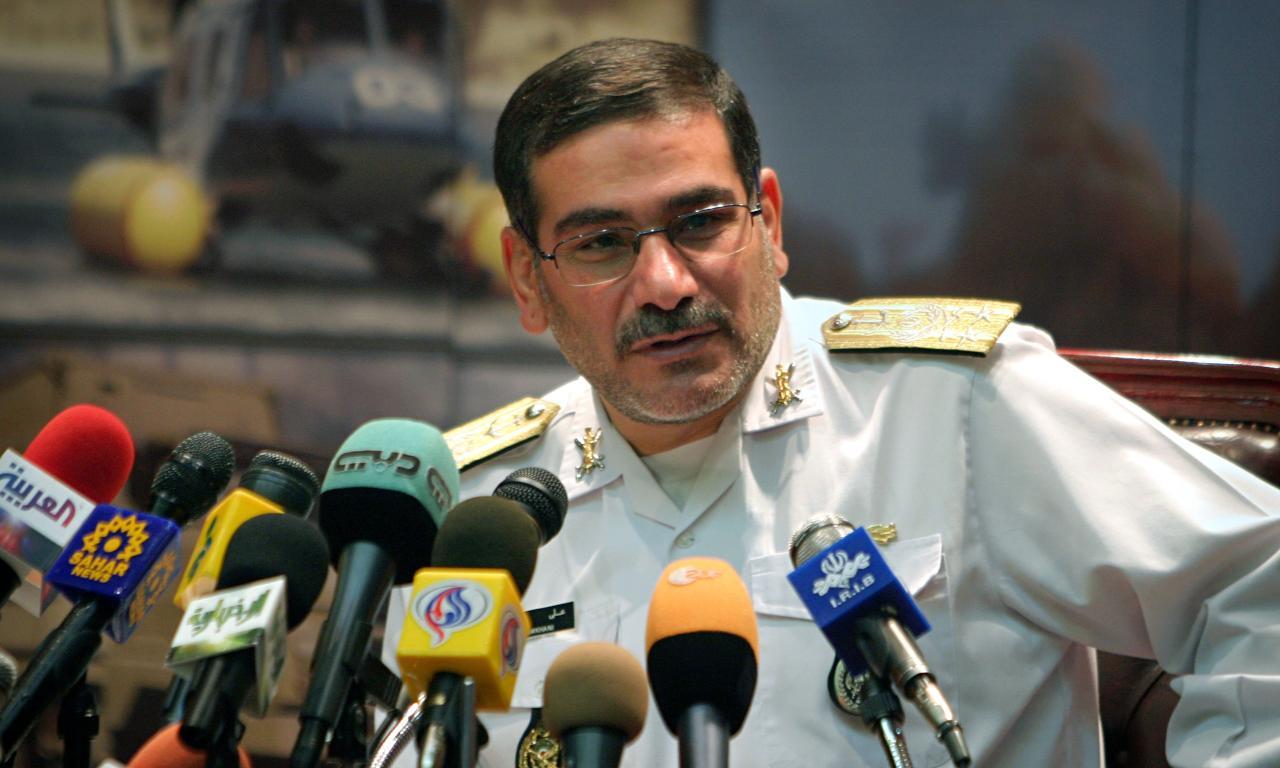طهران تعيّن علي شمخاني منسقاً عسكرياً في سوريا