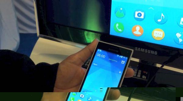 200 الف هاتف إلكتروني يباع  في الامارات شهريا