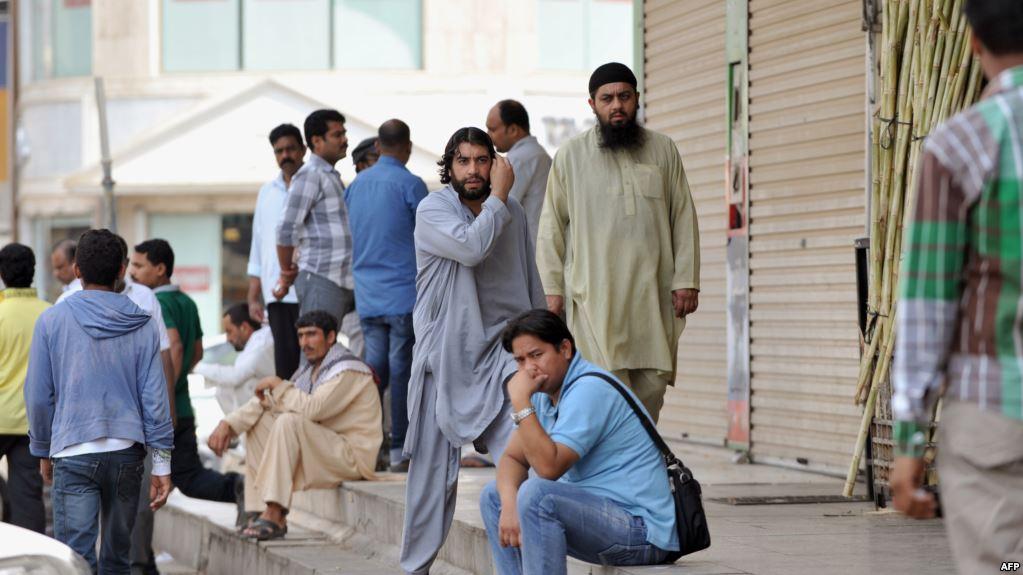 عضو مجلس شورى سعودي يطالب بزيادة الرسوم المفروضة على مرافقي الوافدين