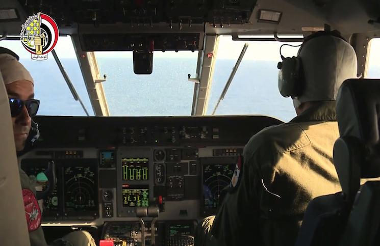 القاهرة تستنكر إيحاء سي إن إن بانتحار قائد الطائرة المنكوبة
