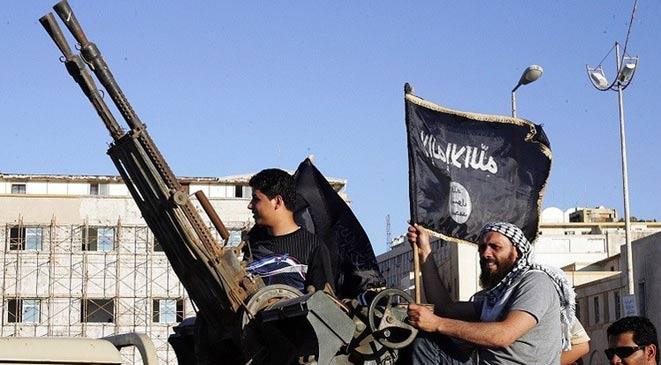 خبير جزائري: سعودي يقود تنظيماً تابعا لـداعش في ليبيا