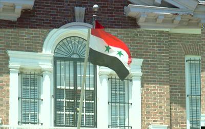 الكويت تسمح بعودة دبلوماسيين سوريين استعداداً لفتح السفارة من جديد