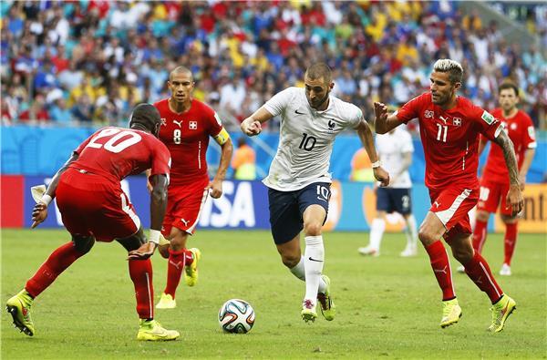 فرنسا تتغلب على سويسرا بخمسة أهداف مقابل هدفين