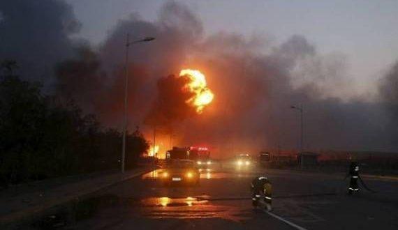 انفجار ضخم يهز أكبر مجمع للبتروكيماويات في إيران