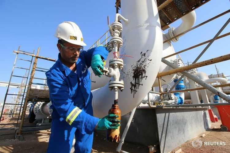 الإمارات تقلص إنتاج النفط في نوفمبر لتحسين الامتثال