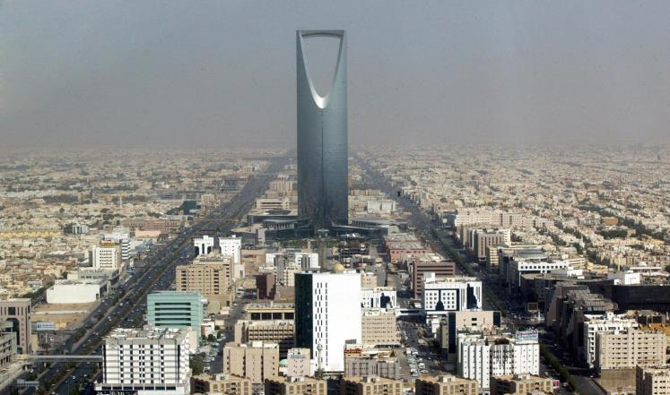 عجز ميزانية السعودية 19.4 مليار دولار بالنصف الأول