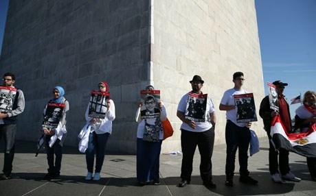 تظاهرة معارضة للسيسي أمام البيت الأبيض تزامنا مع زيارته