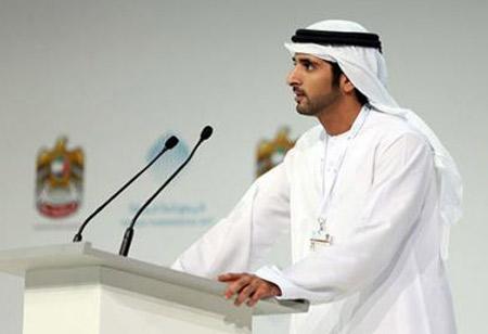 حمدان بن محمد يصدر قرارات لتنظيم العمل الحكومي في دبي