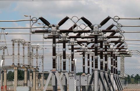 تطوير مرافق الكهرباء والمياه بـ 2,3مليار درهم