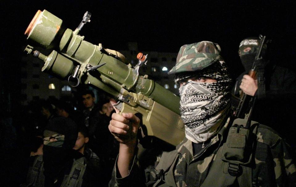 الزهار يؤكد: لن نُسلم سلاح المقاومة وتهديدات عباس مؤامرة خطيرة