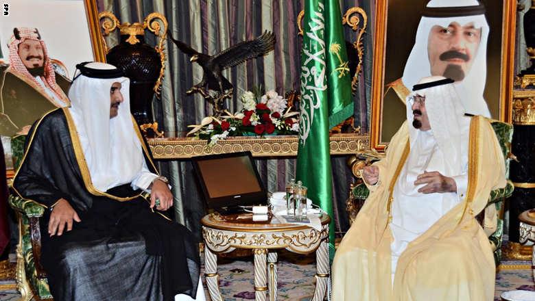 رويترز: أمير قطر أبلغ العاهل السعودي بجهود بذلها لحل الخلاف الخليجي
