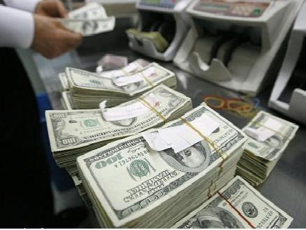 مستثمرون يسحبون 6.8 مليار دولار من السندات المرتفعة العائد