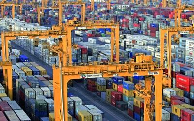 290 مليار دولار إجمالي التجارة غير النفطية للإمارت خلال 2014