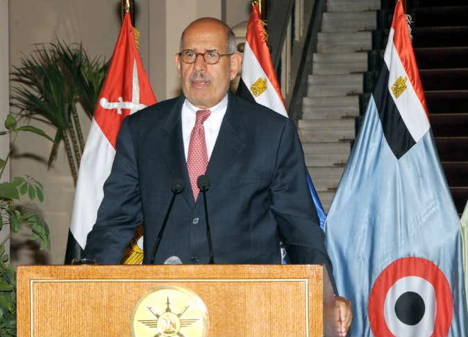 البرادعي يقول إنه فوجئ بحبس مرسي رغم اتفاق على خروج مشرف