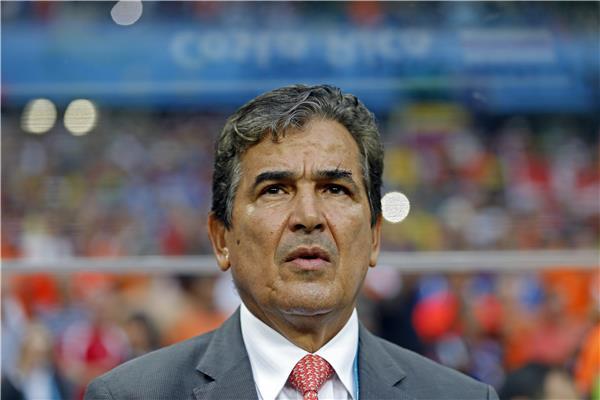 الكولومبي بينتو يرحل عن تدريب كوستاريكا