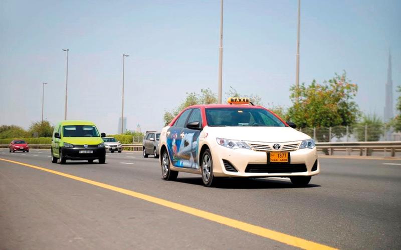 «طرق دبي» ترخص شركتين جديدتين في قطاع مركبات الأجرة