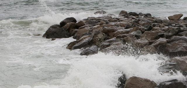 الأرصاد تحذر من ارتياد البحر اليوم وغداً