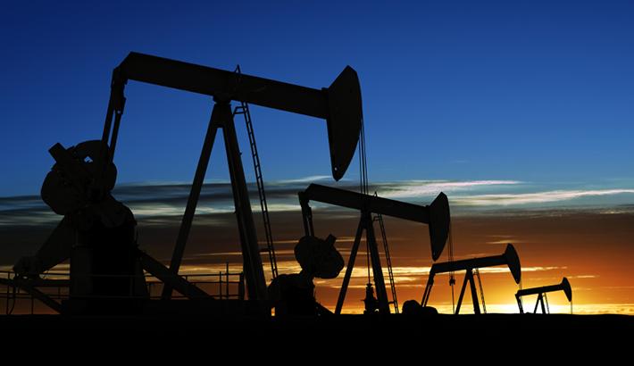 النفط يهوي أكثر من 15% خلال تسعة أشهر الماضية