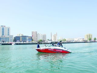 إطلاق قارب جديد للإسعاف والإنقاذ البحري برأس الخيمة