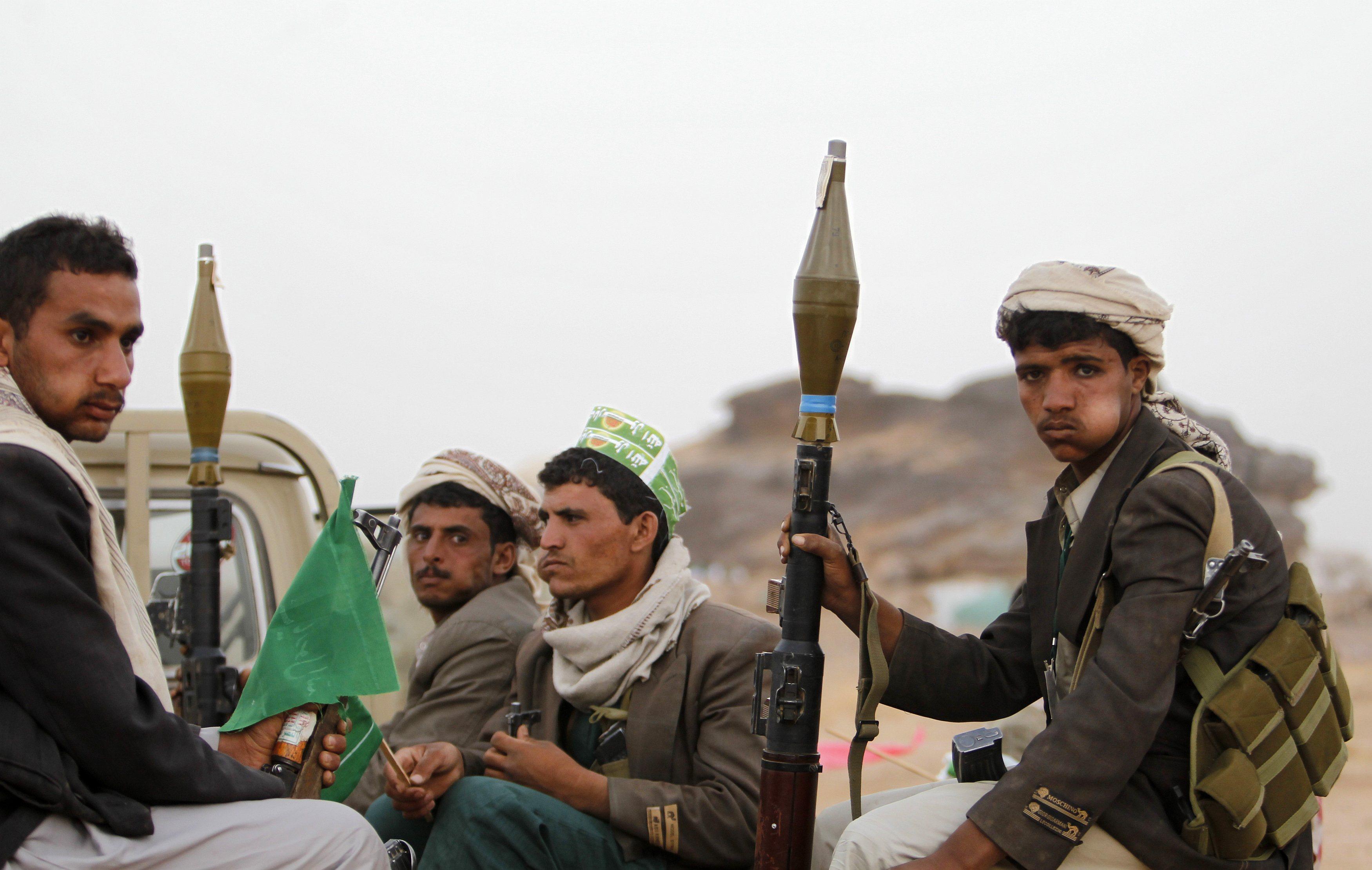 الحوثيون يتحدون دول الخليج