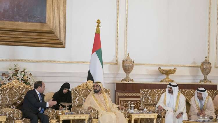 السيسي يصل أبوظبي قادما من سلطنة عمان