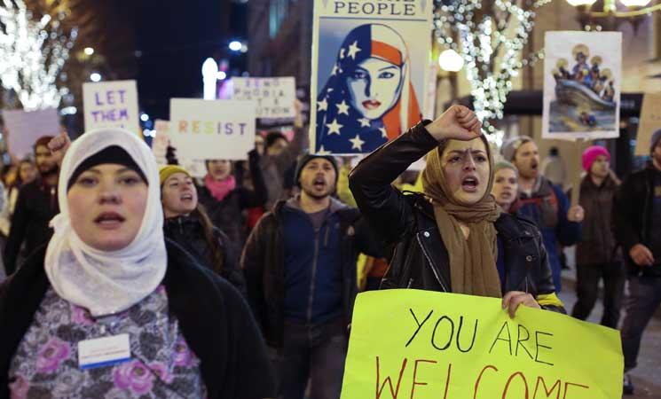 كندا ستمنح إقامة مؤقتة للمسلمين العالقين على أراضيها بسبب قرار ترامب