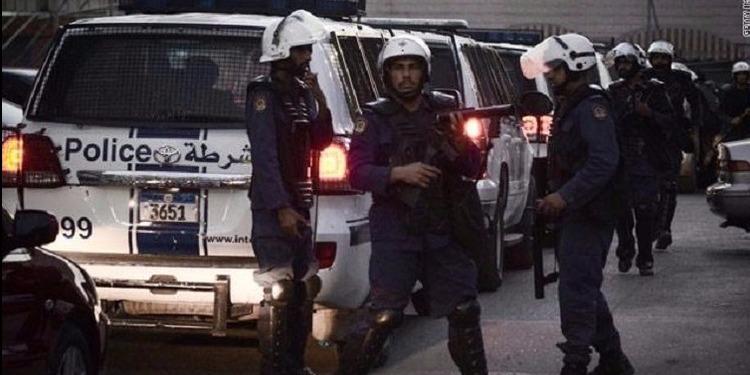إصابة 5 عناصر شرطة في تفجير  بالبحرين
