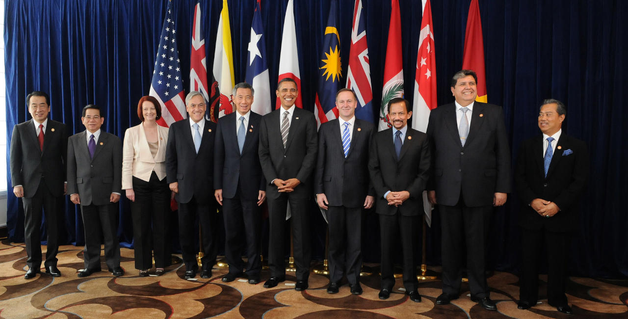 12 دولة توقع اتفاقية تربط 40% من اقتصادات العالم ببعضها