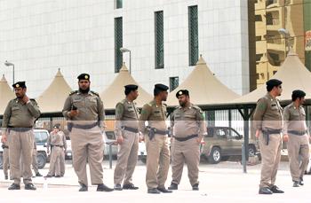 السلطات السعودية تعتقل 77 متهما في هجوم الأحساء