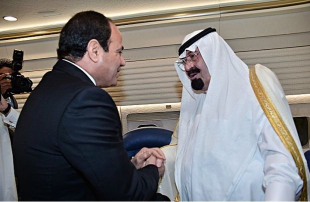 محلل إسرائيلي: نظام السيسي معرض للانهيار بوفاة الملك عبدالله