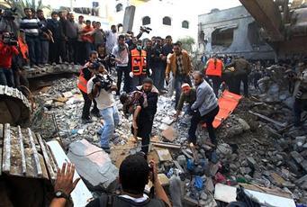 ميديل إيست آي: الغارات الإسرائيلية على غزة زادت من شعبية حماس