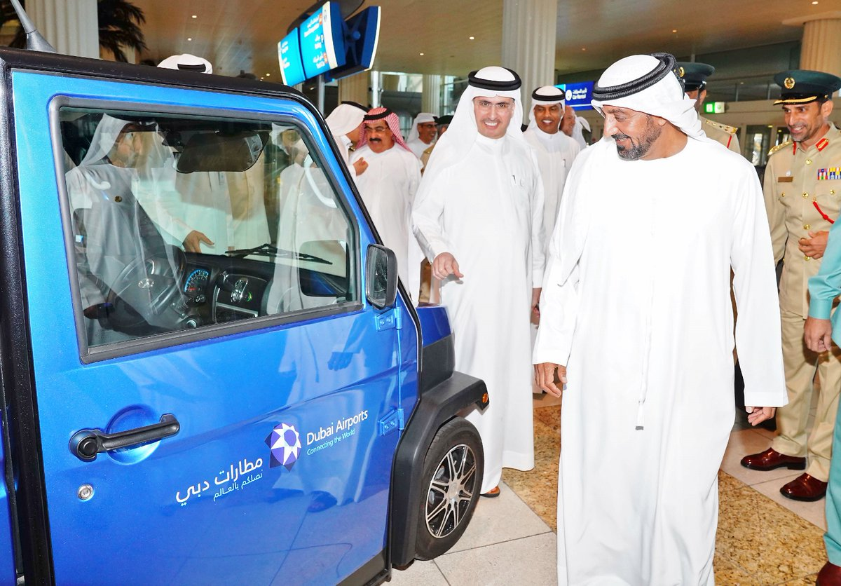 مطارات دبي تعتزم استخدام السيارات الصديقة للبيئة