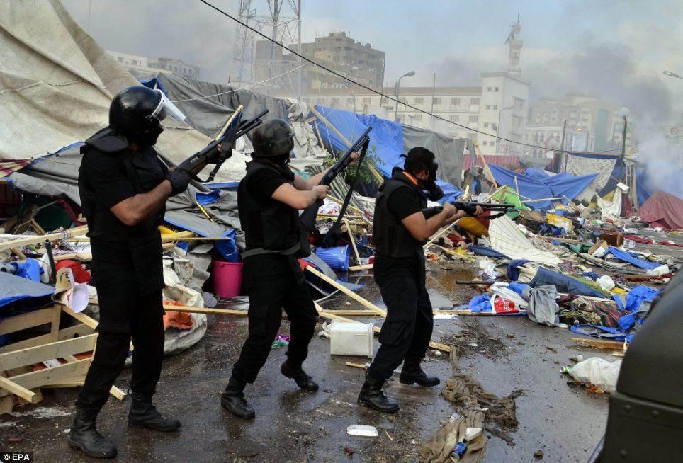 """""""العفو الدولية"""" تندد بعدم محاسبة المسؤولين عن """"مذبحة رابعة"""""""