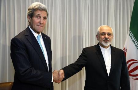 ظريف أمام  البرلمان الإيراني بسببنزهة مع كيري