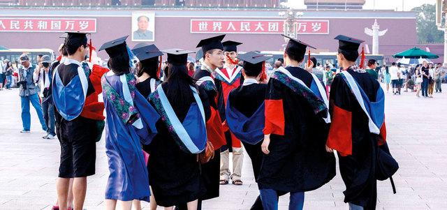 الصين تتجه لتعيين عدد أكبر من المعلمين الذكور في مدارسها