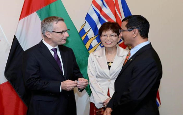 سلطان بن سليم يبحث تعزيز التعاون المشترك مع وزير التجارة الكندي