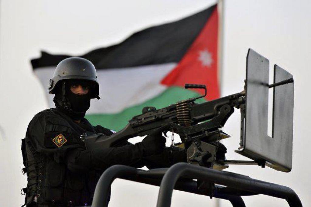 عناصر في مخابرات الأردن يسرقون أسلحة أمريكية أرسلت إلى سوريا