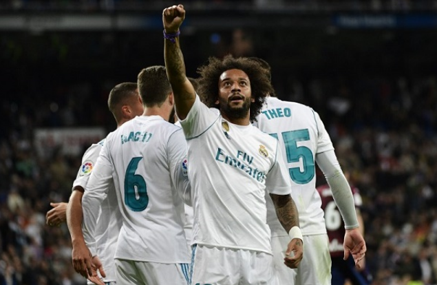 ريال وأتليتيكو مدريد يواصلان الضغط على برشلونة المتصدر