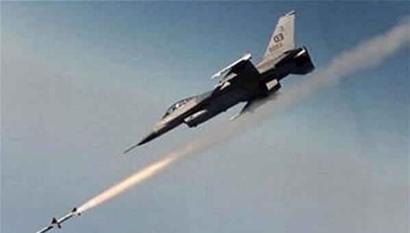مصادر تتحدث عن قصف طائرات مصرية لبنغازي والرئاسة تنفي
