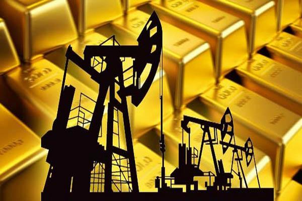 الذهب يرتفع .. والنفط ينخفض بفعل مخاوف من التخمة العالمية