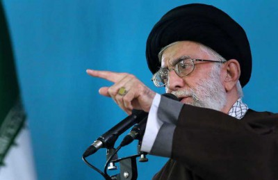 خامنئي يدعو الجيش الإيراني إلى رفع جهوزيته